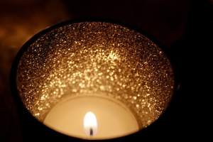 41716-Gold-Glitter-Candle